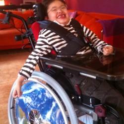 Marius dans son nouveau fauteuil